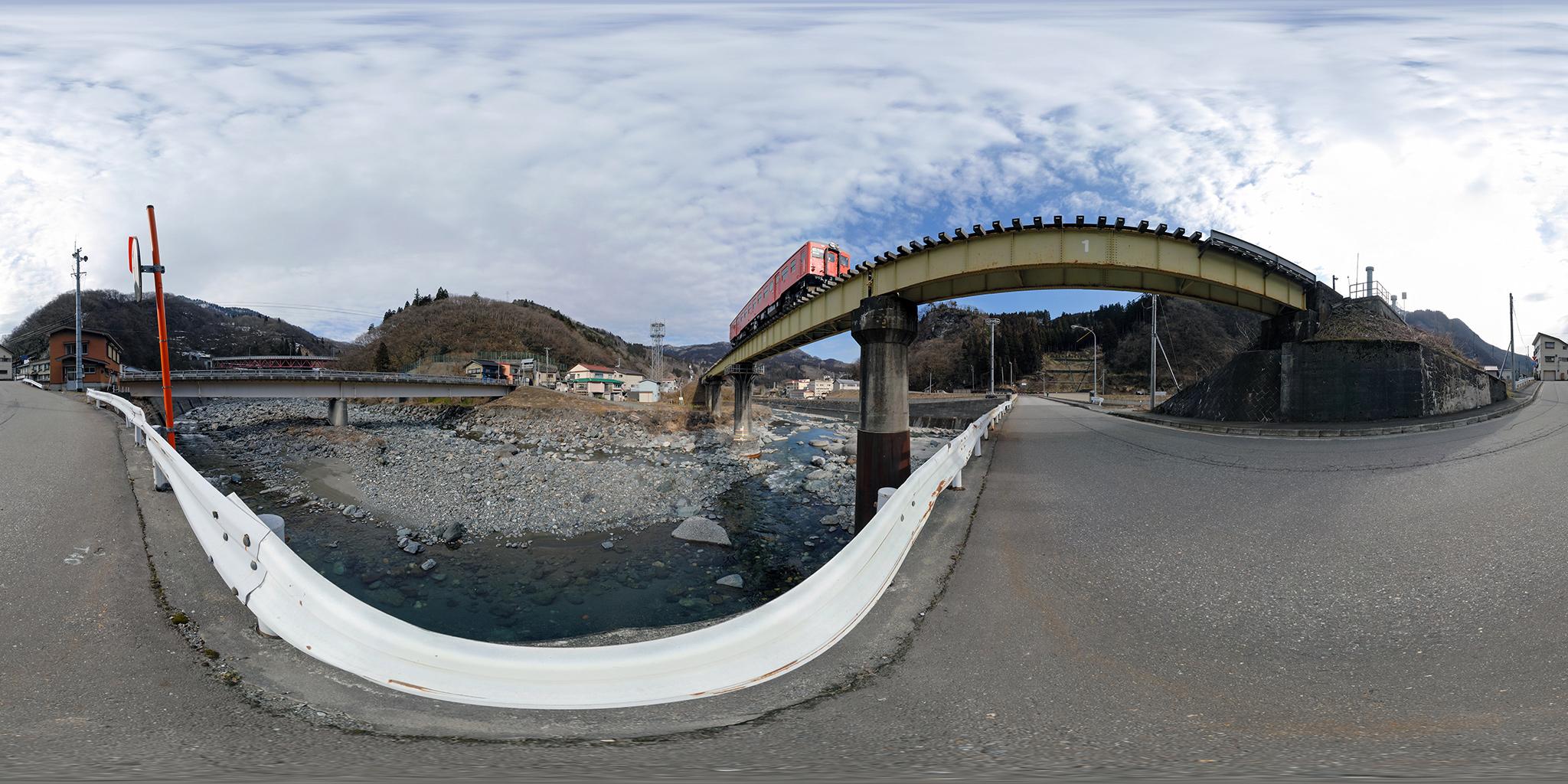 大糸線平岩駅にてキハ52-156