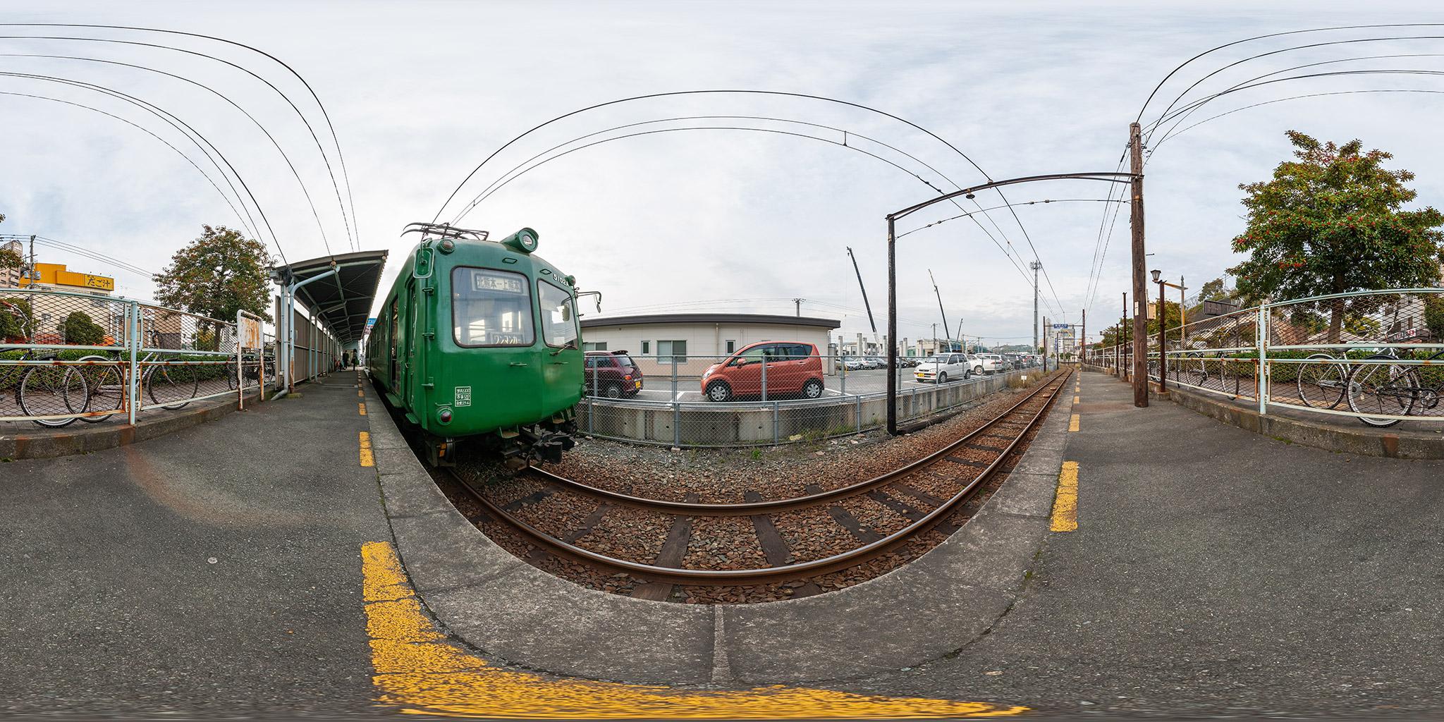 上熊本駅にて5000系(5102A)。