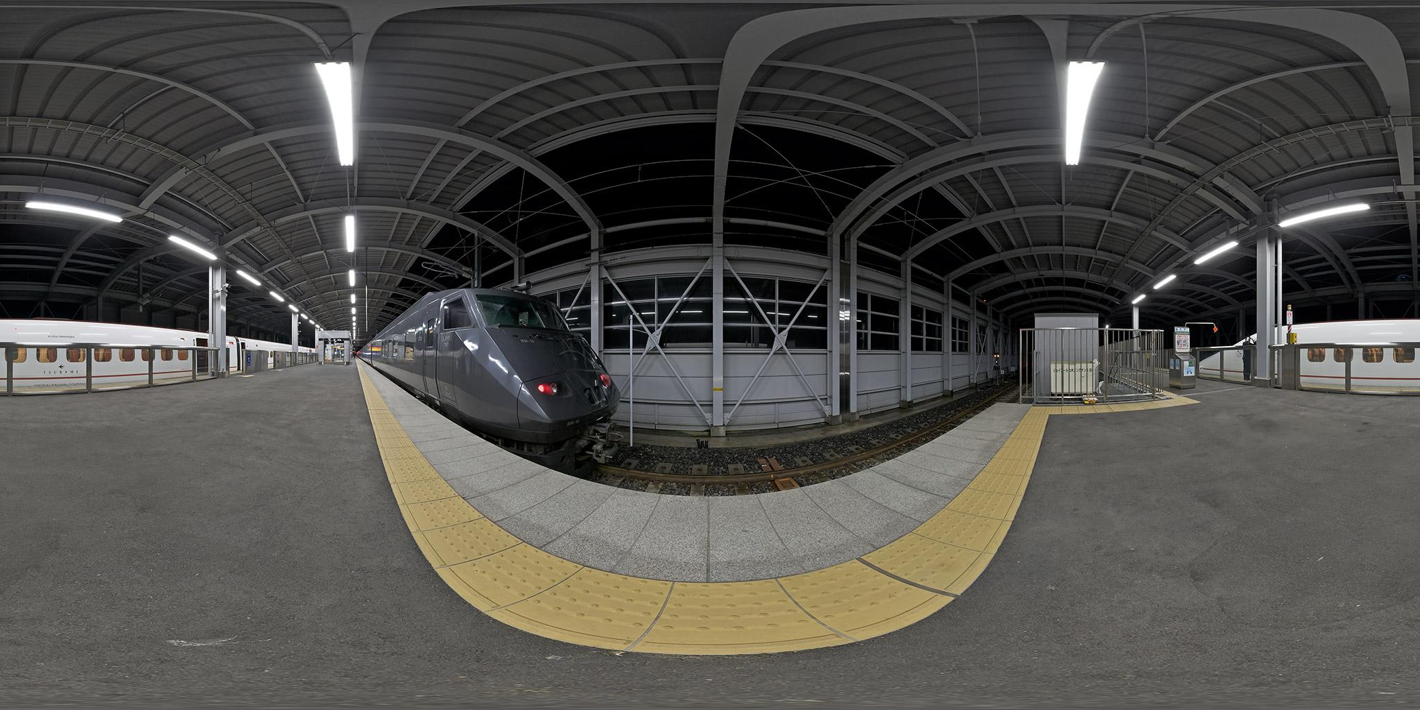 新八代駅で接続する800系つばめ・787系リレーつばめ