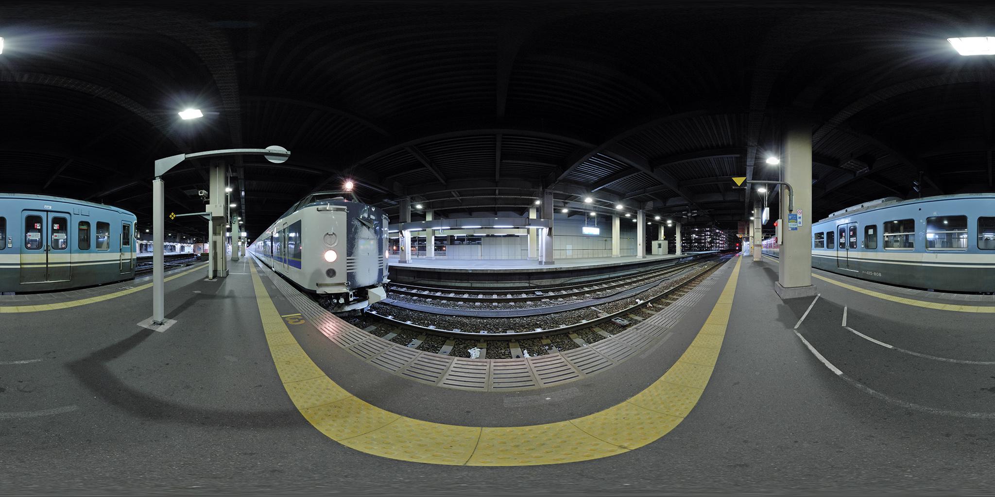 金沢駅に長時間停車していた急行きたぐに