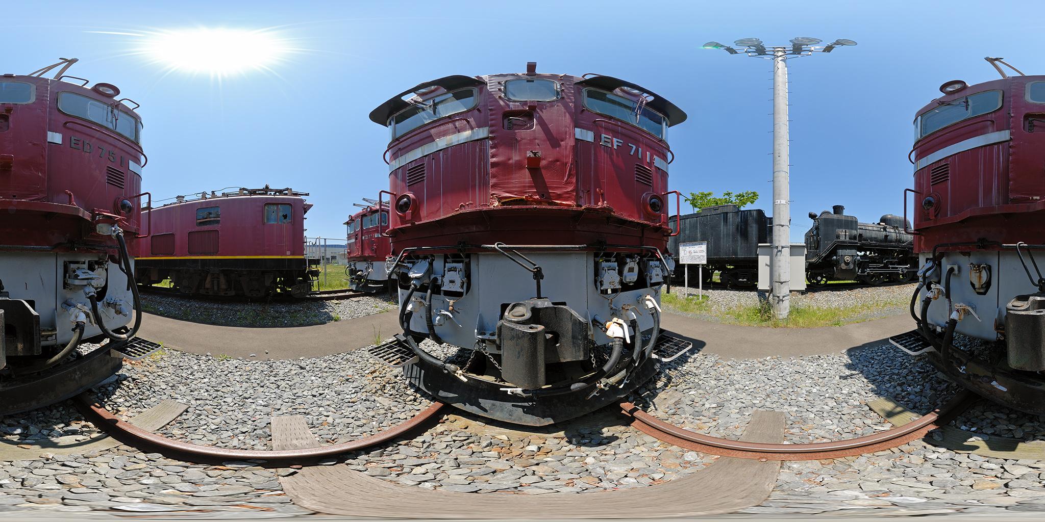 板谷峠の勾配用に開発されたEF71-1とED75-1