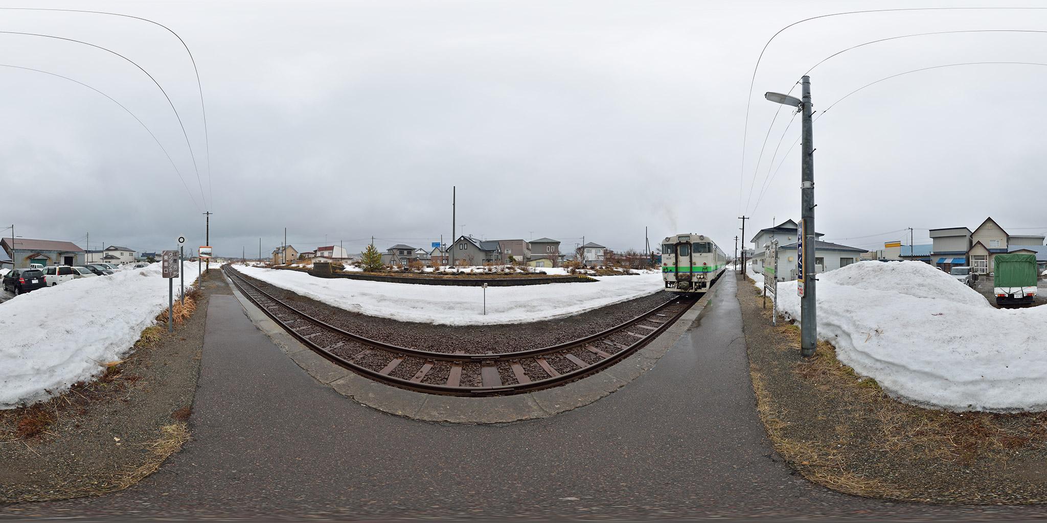 上ノ国駅を発車する木古内行き(4175D)