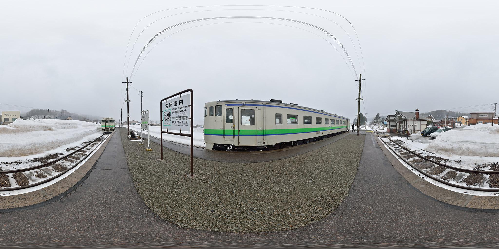 湯ノ岱駅で交換する函館行き(123D)と江差行き(120D)