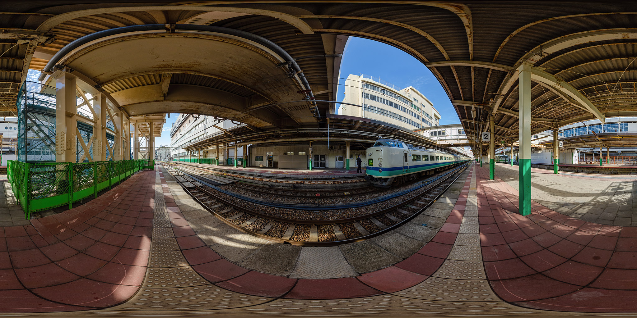 新潟駅にて快速くびき野