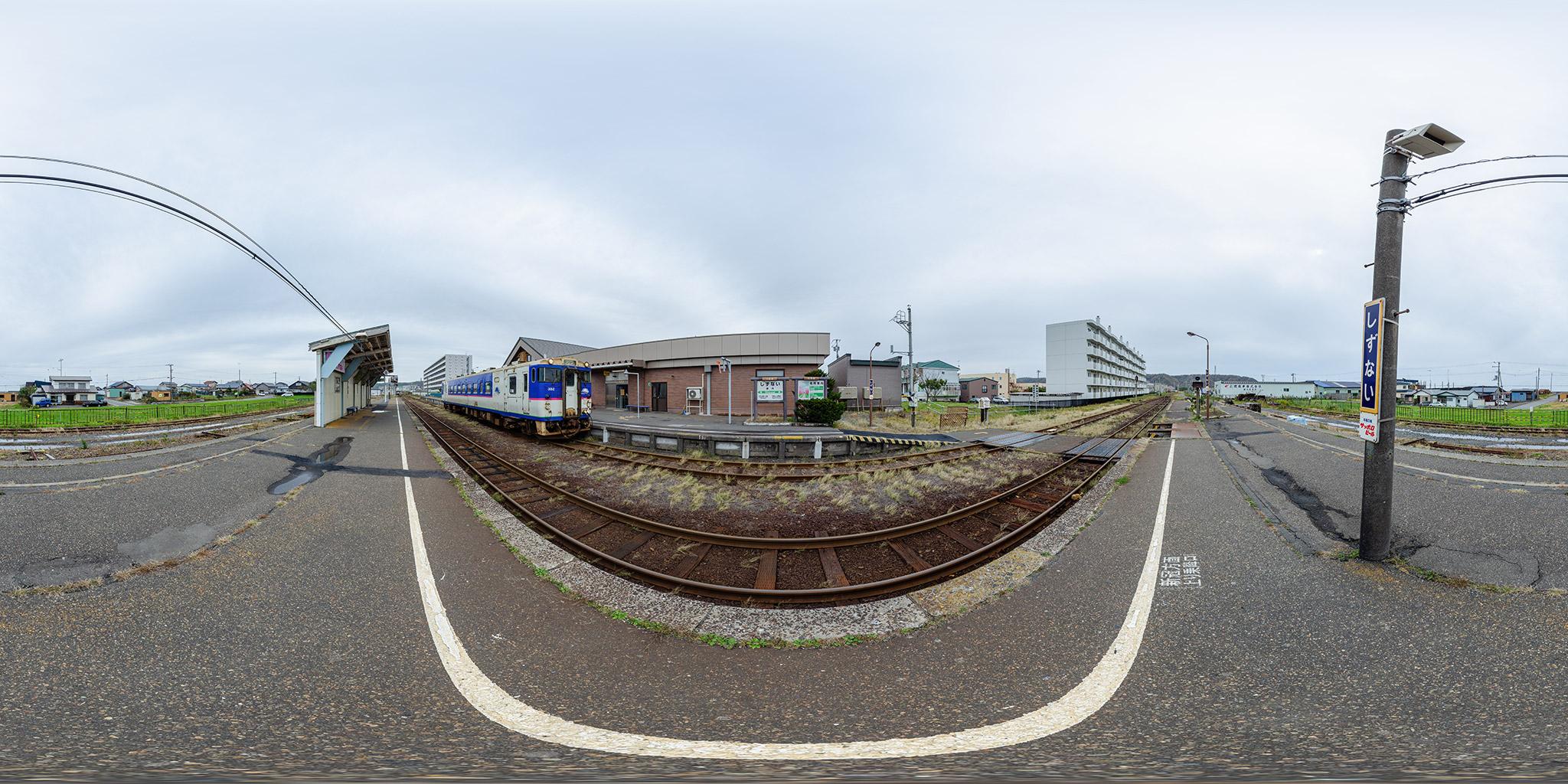 日高本線静内駅にてキハ40 352