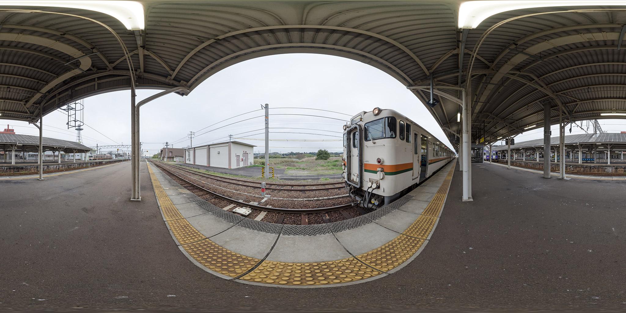 紀勢本線新宮行きのキハ40(335D)