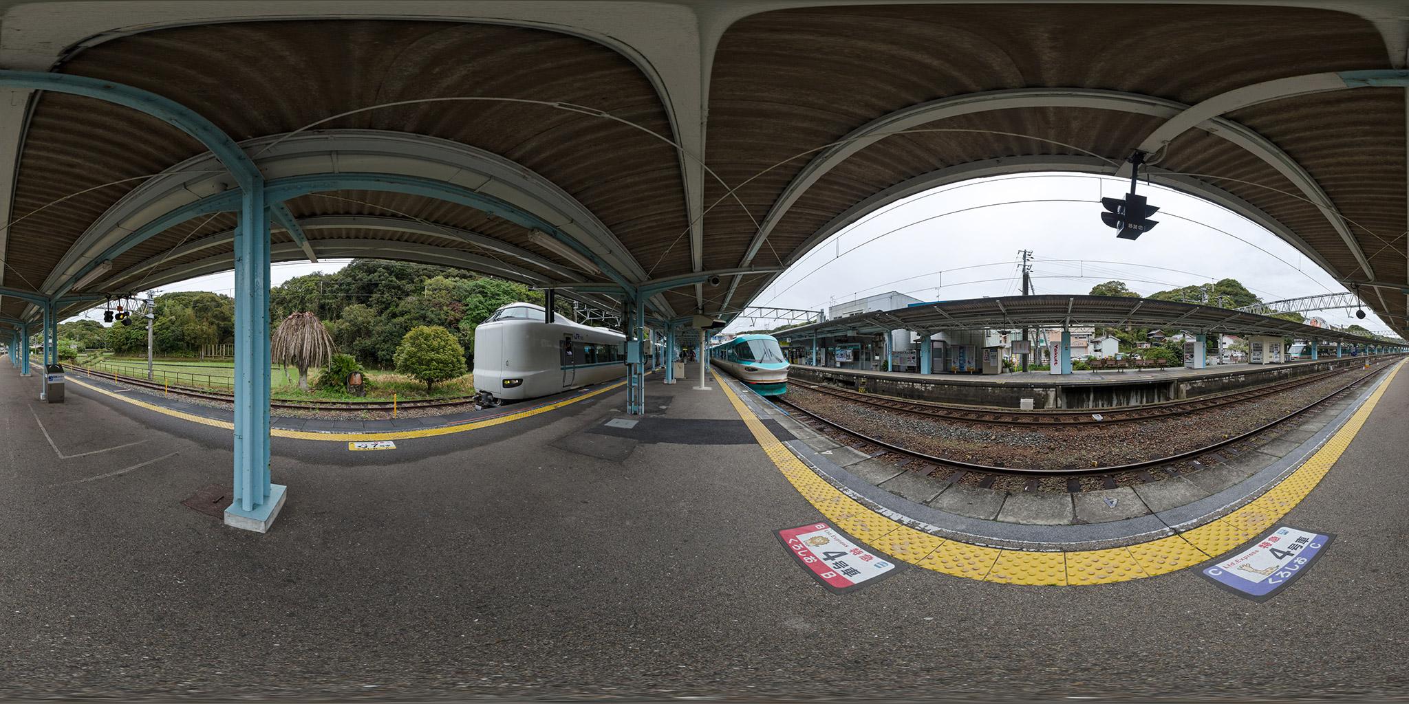 283系・287系・381系「くろしお」が白浜駅に並ぶ