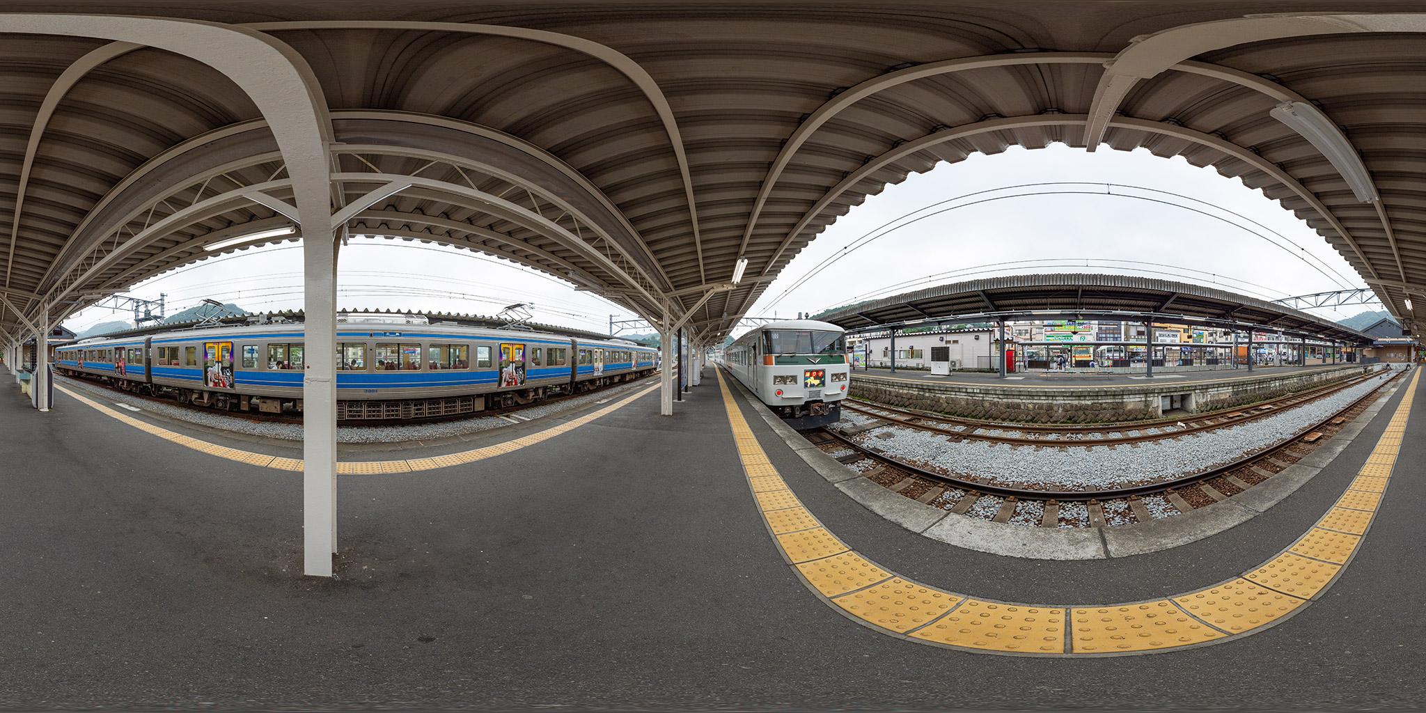 修善寺駅にて185系C2編成「踊り子」号