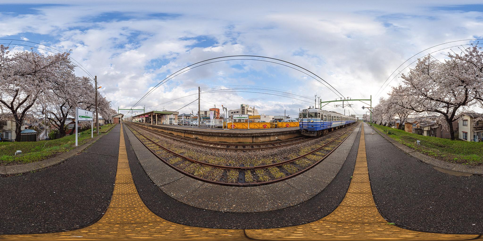 越後線分水駅に到着する115系N35編成(157M)