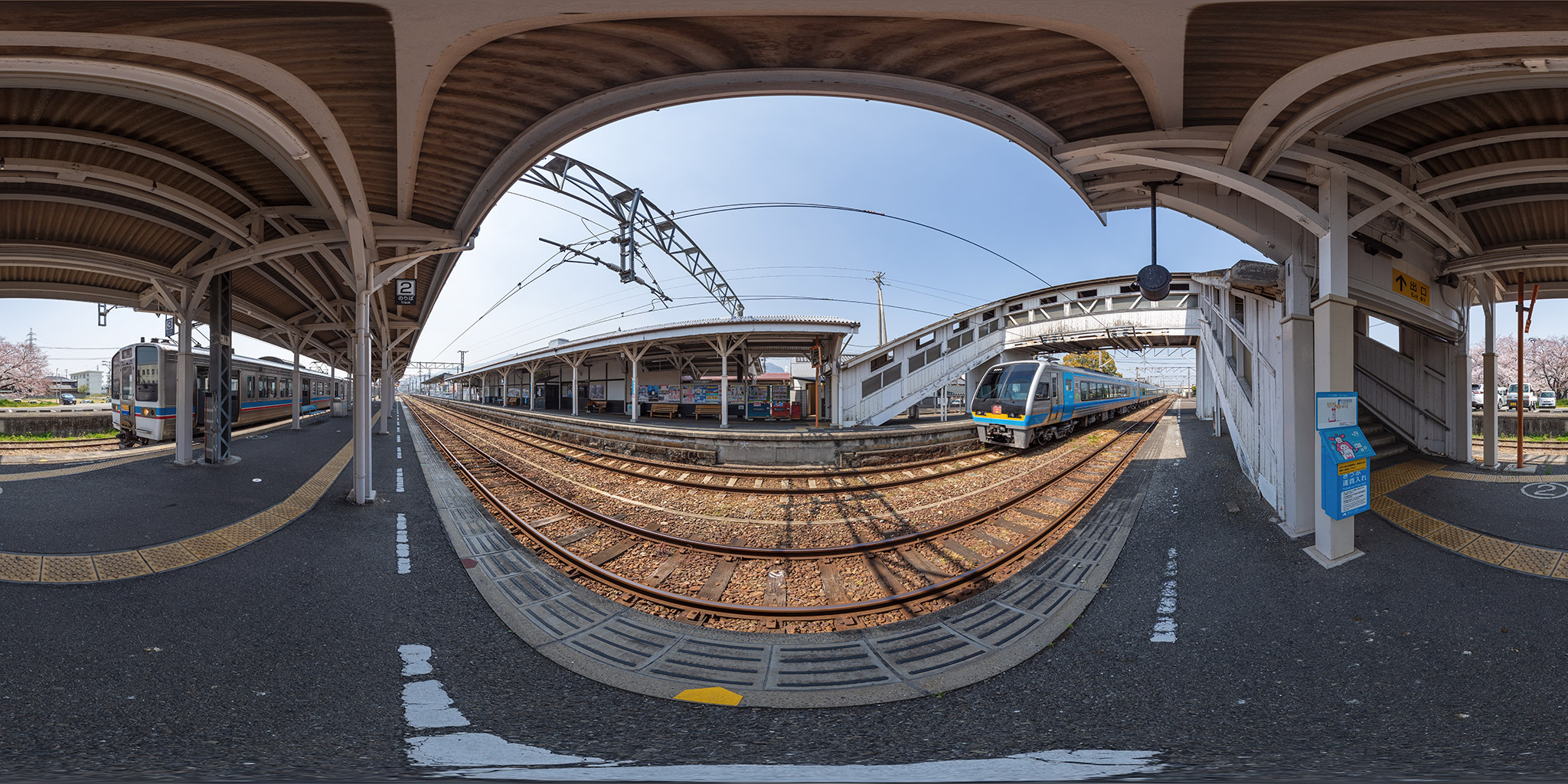 琴平駅に到着したサンライズ瀬戸